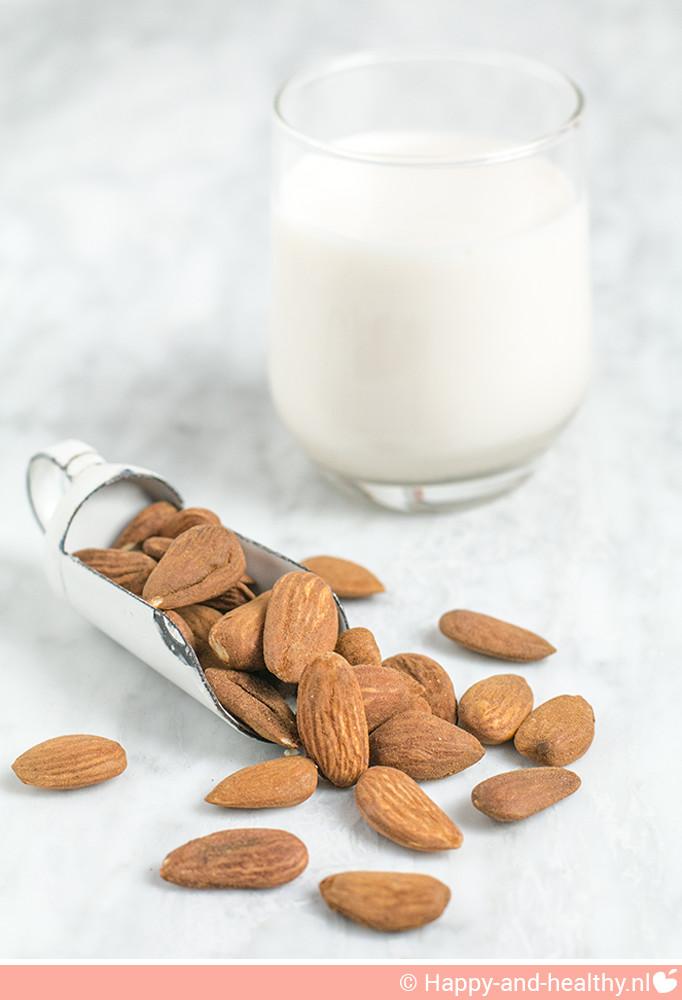 Amandelmelk; gezond, snel en makkelijk te maken in jouw slowjuicer!